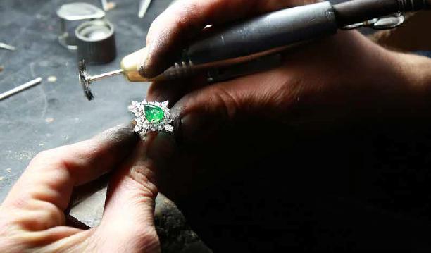Jewellery Repair & Cleaning Image